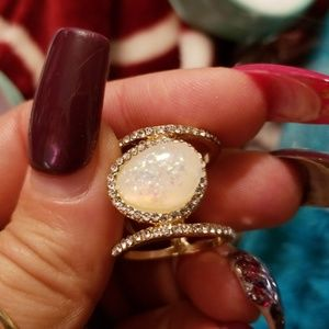 Jewelry - Moonstone and gold ring